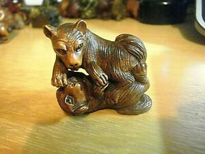Hand Carved Box Wood Netsuke Dogs Playing Or Fighting Collectable Carving Figure