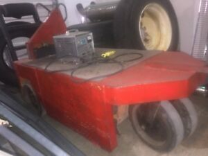 Taylor Dunn Stock Chaser Includes Charger Needs Batteries