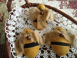 Three Primitive Bumble Bee Ornie S Tuck S Bowl Filler S