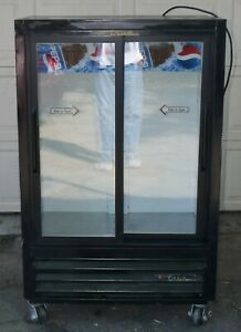 True 2 Sliding Glass Door Beverage Cooler Refrigerator Merchandiser 36 X 58