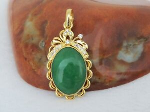 Vintage 18k Solid Yellow Gold Oval Green Jadeite Jade White Topaz Pendant