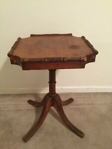 Vintage Zuk Furniture Co Chicago Carved Wood Footed Table End Coffee Antique