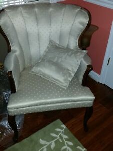 White Creme Damask Chair Victorian Traditional Shabby Chic