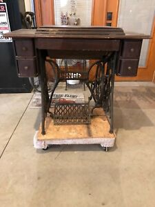 Complete Original Singer Pedal Sewing Machine With Machine Parts Box