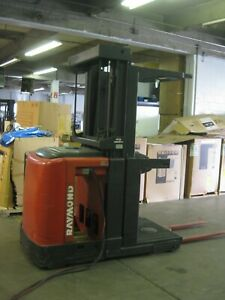 Crown Sp3000 narrow aisle Electric Orderpicker Forklift With Battery Sav