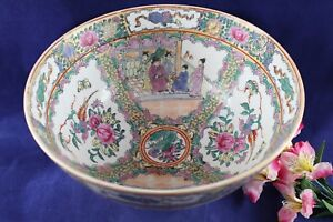 Antique Chinese Rose Medallion Large Serving Bowl 19th Century 11 3 4 Wide