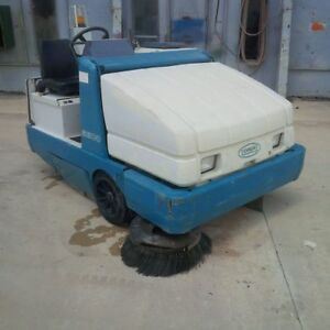 Tennent Ride on Floor Sweeper Model 6600 Lp Powered
