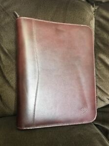 Franklin Quest Covey Dark Brown Maroon Classic Faux Leather Zip Around