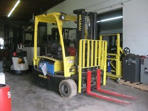 2011 Hyster Electric Forklift 3 Wheel Sit Down 4 000 Lb Cap Pneumatic Tire
