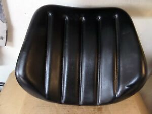 Re 181811 John Deere Cushion Seat back