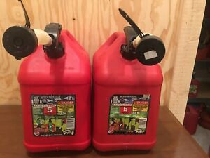Blitz 5 Gallon Red Gas Fuel Can Plastic Enviro Flo Nozzle Spout Pre Ban Clean