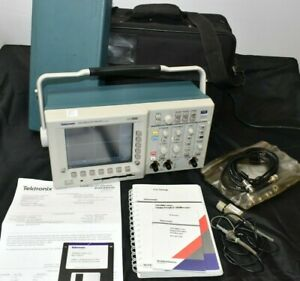 Tektronix Tds3032 Digital Scope Oscilloscope 300mhz 2ch 2 5gsa s With Cal Etc