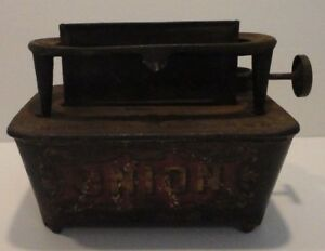 Antique Vintage Union Sad Iron Kerosene Heater Stove Gardner Mass