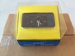 Nos Volvo 1214918 3 Electrical Clock 240 260 Brand New In The Box