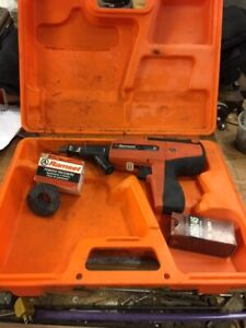 Ramset D60 Powder Actuated Tool Kit W loads And Case