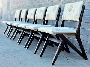 Set Of 6 Uncommon Gio Ponti Style Mid Century Modern Dining Chairs