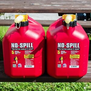 4 Pack Of Red 5 Gallon No Spill Poly Gas Cans Great For Landscapers