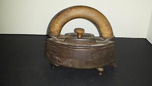 Antique Rare Primitive Clothing Iron Sad W Wood Handle Sensible Trivet Cast
