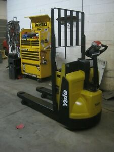 Crown Electric Forklift 2013 Model Year 3 Wheel Sit Down Forklift Sc5245