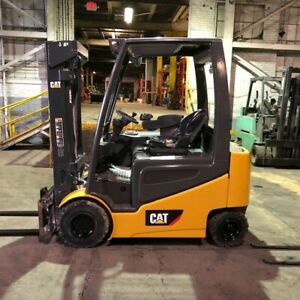 2014 Cat 5000lbs Electric Forklift With Sideshift And Triple Mast