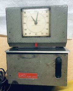 Lathem Mechanical Time Clock Model 2121 Keeps Time Well Stamp Not Tested