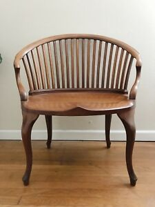 Vtg Antique 1930s 1940s Mid Century Extra Wide Barrel Chair 21 Spindle Back