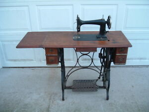 Standard Cast Iron Treadle Sewing Machine Cleveland Ohio