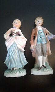 Pair Of Vintage Tiawanese Victorian Style Hand Painted Ceramic Figurines 6