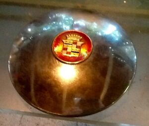 One 16 1939 1940 Cadillac Hubcap Wheel Cover With New Center Crest