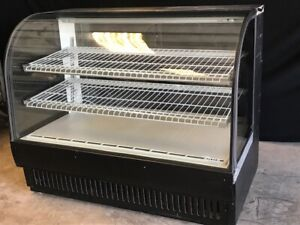 True Curved Refrigerated Deli Bakery Display Case tcgr 59