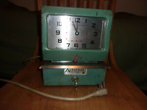 Restored Vintage Acroprint 150nr4 Time Clock Chippy Paint Free Shipping
