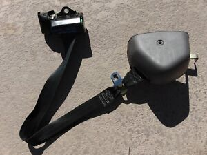 1994 95 Ford Mustang Convertible Gray Lh Drivers Front Seat Belt 1 1 8 Latch