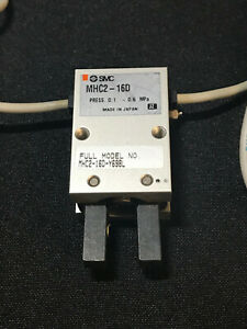 Smc Mhc2 16d y69bl Gripper With Switches New No Box