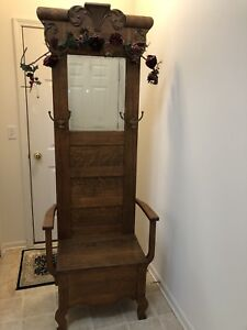 Antique Oak Hall Tree Free Rose Garland Beautiful Perfect Size