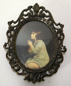 Vtg Oval Ornate Metal Frame Pictures Made In Italy Young Girl Praying