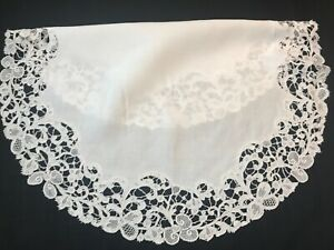 Antique 19th Century Gros Point Needle Lace Linen Table Round Exquisite 22