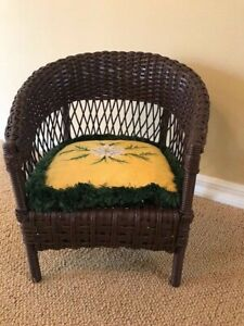 Vintage Child S Wicker Chair