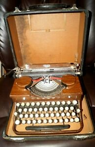 Vintage 1930s Royal Htf Woody Finish Portable Typewriter W Case Works