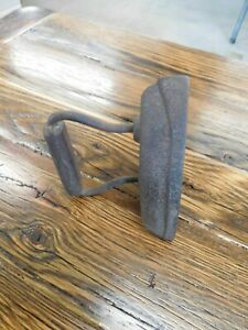 Vintage Antique Cast Iron Clothes Iron 7 6lbs