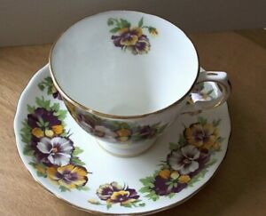 Vintage Tuscan Fine English Bone China England Teacup Saucer Pansies Gold Trim