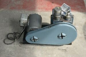 Welch 1403 Duo Seal Vacuum Pump Weg 1 2 Hp Motor Single Phase With Switch