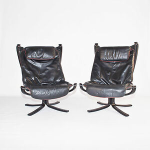 Danish Pair Of Falcon Chairs And Footstools By Sigurd Ressel For Vante Mobler