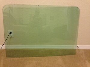 1969 1970 Ford Mustang Fastback Original Green Tint Rear Back Glass Used