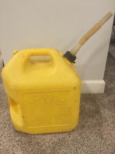 Midwest 5 Gallon Diesel Can Vented Pre Ban Nozzle Spout Yellow
