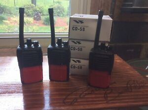 Vertex Two Way Radios 5 Channel Set Of Three W Desktop Chargers