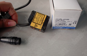 1pc New Omron Laser Displacement Sensor Zx ld100