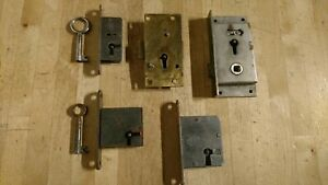 Good Lot Of Reclaimed Old Inc Brass Cabinet Or Drawer Locks Some Have Keys