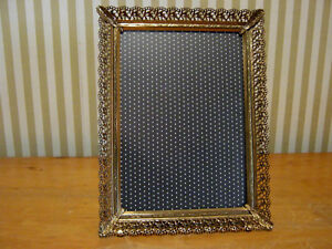 Vintage 5 X 7 Gold Tone Ornate Metal Picture Photo Frame W Easel Non Glare Glass