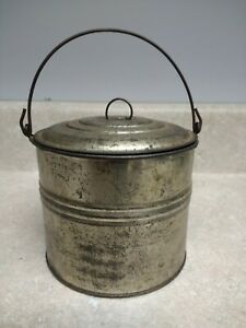 Vintage Antique Metal Tin Berry Bucket Lunch Pail With Bale Handle And Lid Cover