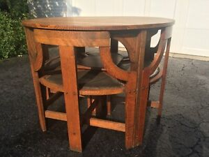 Mission Oak Table With Four Nesting Chairs